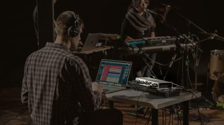 Tascam 208i USB Audio/MIDI interface